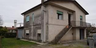 Casa in VENDITA a Villorba di 240 mq