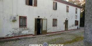 Casa in VENDITA a Maserada sul Piave di 180 mq