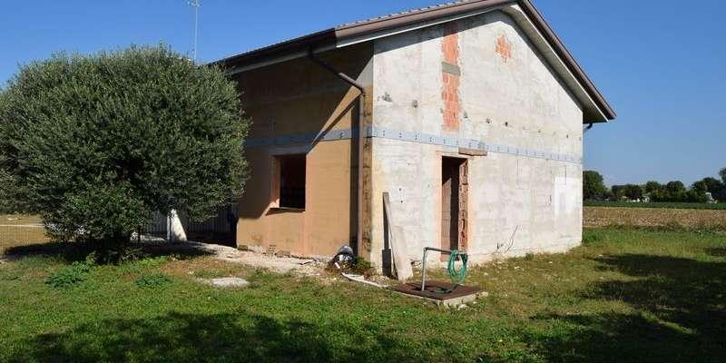 Casa in VENDITA a Spresiano di 240 mq
